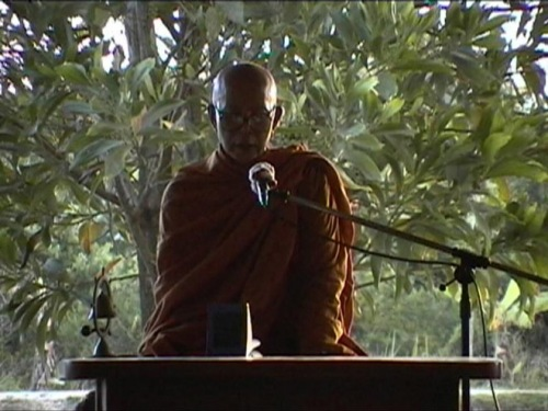 Ven. Ajāhn Pōh, speaking at International Dharma Hermitage. (Photo by Donald Day)